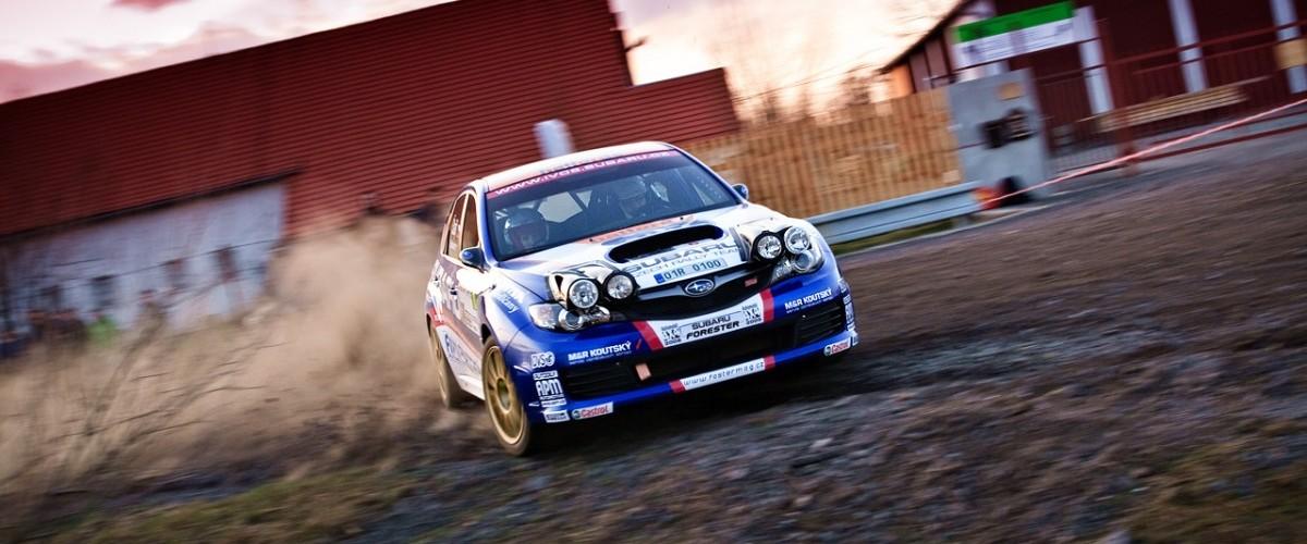 Vojta Štajf s Marcelou Ehlovou na Valašské Rally 2010